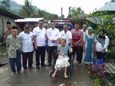 Penyerahan Bantuan Sosial Kursi Roda dan Bantuan Sosial Pangan kepada Lanjut Usia Terlantar
